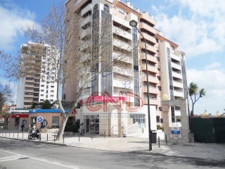 PROPERTY of 100% BANK FINANCED Office in Cascais |