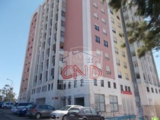PROPERTY of 100% BANK FINANCING shop at Tapada das merces |