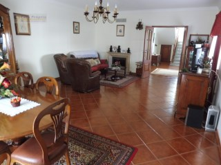Detached House › Oeiras | 5 Bedrooms | 3WC