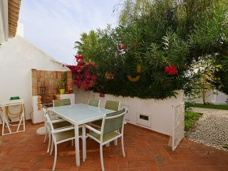 Lovely 2 bedroom townhouse situated in the heart of Vilamoura. | 2 Bedrooms | 2WC