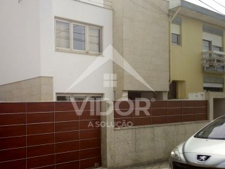 House 3 Bedrooms › Madalena