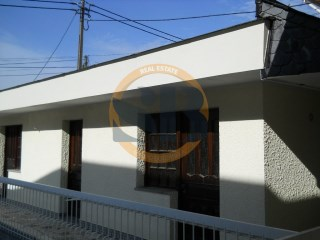 House › Santa Maria da Feira | 6 Bedrooms | 5WC