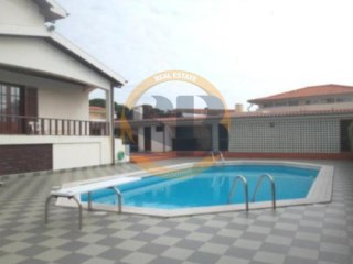 House › Vila Nova de Gaia | 5 Bedrooms | 3WC