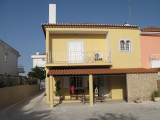 House › Beja | 4 Bedrooms | 3WC