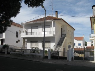 Two-Family House › Beja | 4 Bedrooms | 2WC
