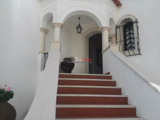House › Santarém | 5 Bedrooms | 2WC
