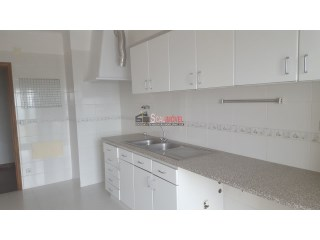 Apartment › Santarém | 3 Bedrooms