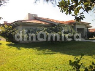 Detached House › Trofa | 4 Bedrooms
