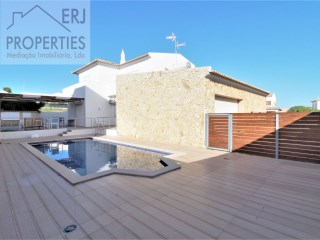 T3 + 2 bedroom Villa with swimming pool  | 3 Bedrooms | 3WC