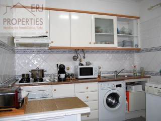 Type T2 apartment in Santa Luzia | 2 Bedrooms | 1WC