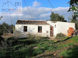 House for renovation or reconstruction near Tavira |