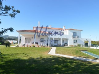 T5/T6 farmhouse located in the municipality of Palmela 40 km from Lisbon | 5 Bedrooms