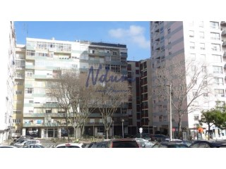 Nice 2 bedrooms Apt. central in Benfica-Lisbon | 2 Bedrooms | 1WC