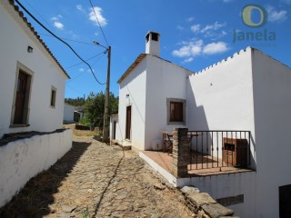 Algarve villas with lots of rustic charm | 2 Bedrooms + 1 Interior Bedroom | 2WC
