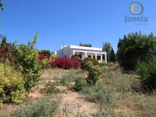 Villa with sea view near Olhão | 3 Bedrooms | 2WC