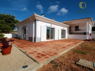 Beautiful villa with view of serra in São Brás | 3 Bedrooms | 3WC