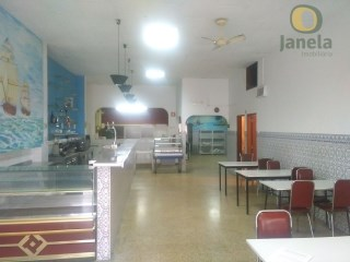 Equipped and furnished restaurant |