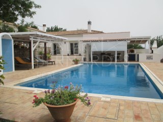 3 bedroom villa with pool-São Brás de Alportel | 3 Bedrooms