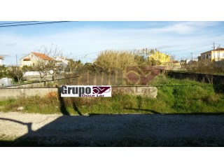 Terreno con superficie de 325m 2 |
