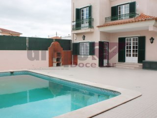 Excellent 4 bedroom villa in Vila Nogueira de Azeitao | 4 Bedrooms | 3WC