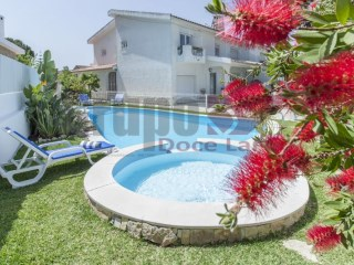 Semi-Detached House › Setúbal | 4 Bedrooms | 3WC