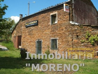 House › Sarria | 3 Bedrooms | 1WC