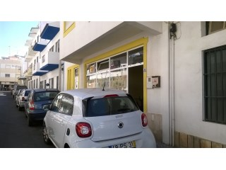 Commercial space, excellently located in the Centre of Quarteira |