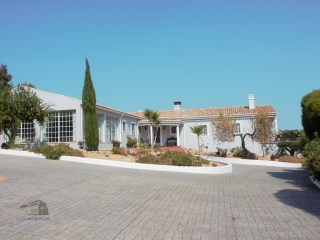 Fantastic 4 bedroom villa overlooking the Sierra | 4 Zimmer