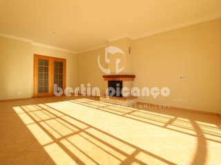 Excellent apartment with collection, situated in Gambelas, Faro | 3 Bedrooms | 2WC
