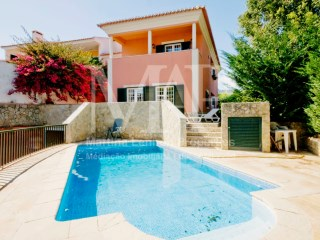 Lovely Villa in Cascais, 5 min from the Centre | 4 Bedrooms + 1 Interior Bedroom | 5WC