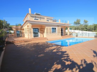 Detached House › Loulé | 4 Bedrooms | 1WC