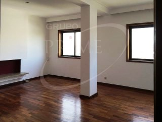 Apartment › Vila Nova de Gaia | 5 Bedrooms + 1 Interior Bedroom | 4WC