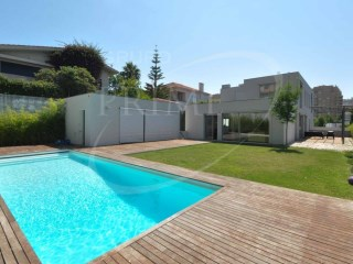 House › Porto | 7 Bedrooms + 1 Interior Bedroom | 8WC