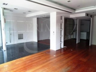 Shop with 80 m2 on rua do Campo Alegre |