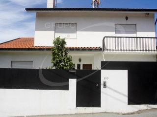 House › Vila Nova de Gaia | 3 Bedrooms | 2WC