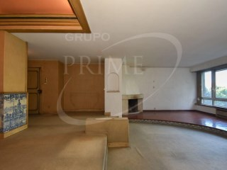 Apartment › Porto | 4 Bedrooms + 1 Interior Bedroom | 4WC
