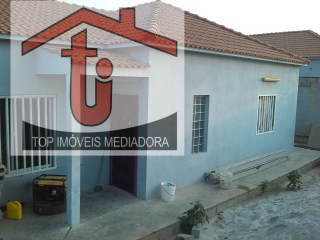 House › Belas | 3 Bedrooms | 2WC
