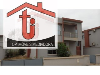 House › Cacuaco  | 4 Bedrooms | 2WC