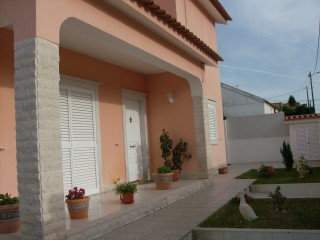 Detached House › Seixal | 5 Bedrooms | 1WC