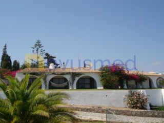 Detached House › Albufeira | 4 Bedrooms | 2WC