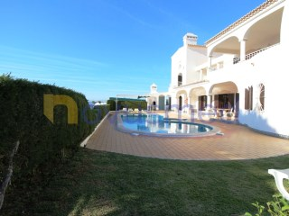 Spacious villa with pool and garage close to beach and golf | 6 Bedrooms | 5WC