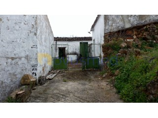 Old single storey house in Salir | 3 Bedrooms | 1WC
