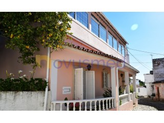 Semi-detached house in the center of Salir | 4 Bedrooms | 1WC