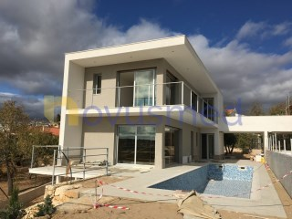 Contemporary villa in phase of finishing, of excellent construction | 4 Habitaciones | 4WC