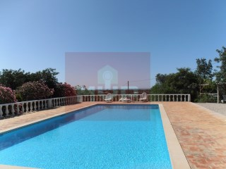 Detached house with swimming pool in Moncarapacho | 3 Bedrooms | 2WC