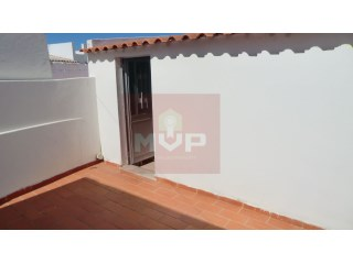 Traditional housing in Quelfes | 2 Bedrooms | 1WC