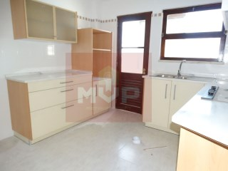 Apartment 4 Bedrooms › Olhão