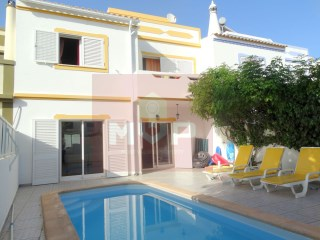 House 4 bedrooms with swimming pool close to Fuseta | 4 Bedrooms | 2WC
