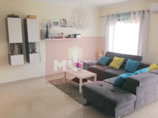 3 bedroom apartment with parking in Cerro Azul | 3 Bedrooms | 2WC
