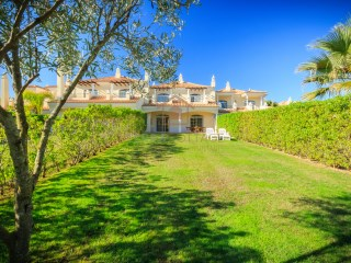 TWO BED TOWNHOUSE, IN A CLOSE CONDOMINIUM, IN QUINTA DO LAGO |